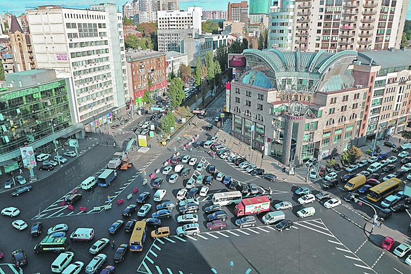 Площадь Победы в час пик